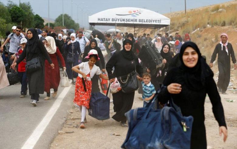 ب هەلگەفتا چەژنا رەمەزانێ بێهتری 5000 پەنابەرێن سوری دەرباسی سوریێ بوون