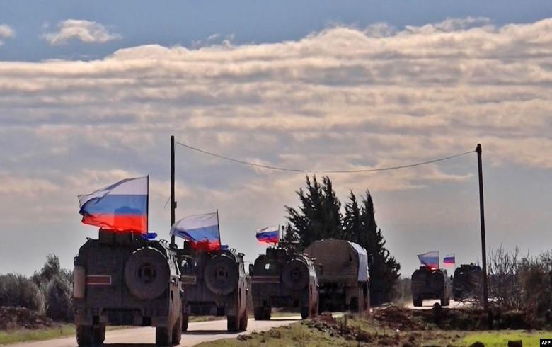 روسيا تسير دورية عسكرية  في مدينة كوباني