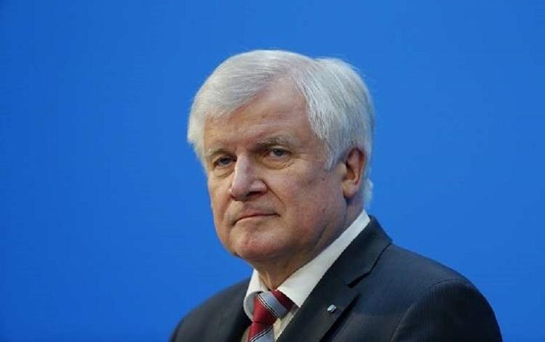 ألمانيا تعتزم وضع حد لزيارة اللاجئون السوريون لبلادهم