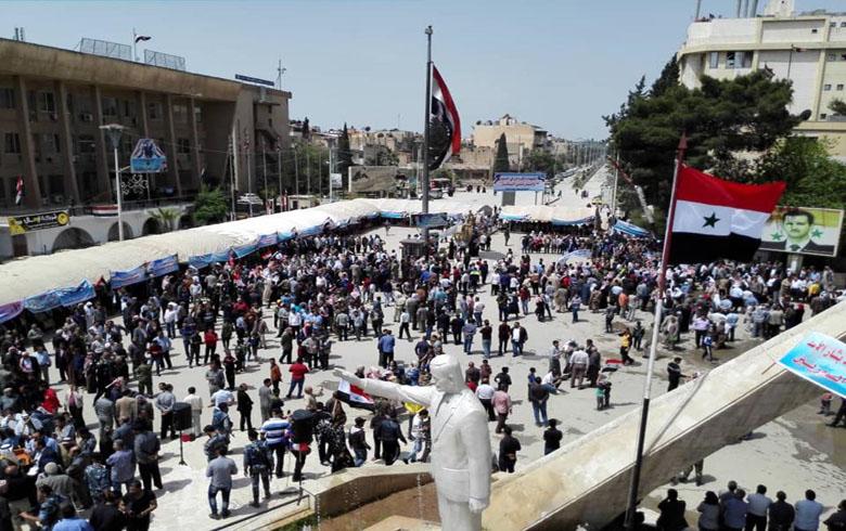 مسيرات للنظام و اعلام البعث و صور بشار الأسد و تمثال والده....هنا الحسكة