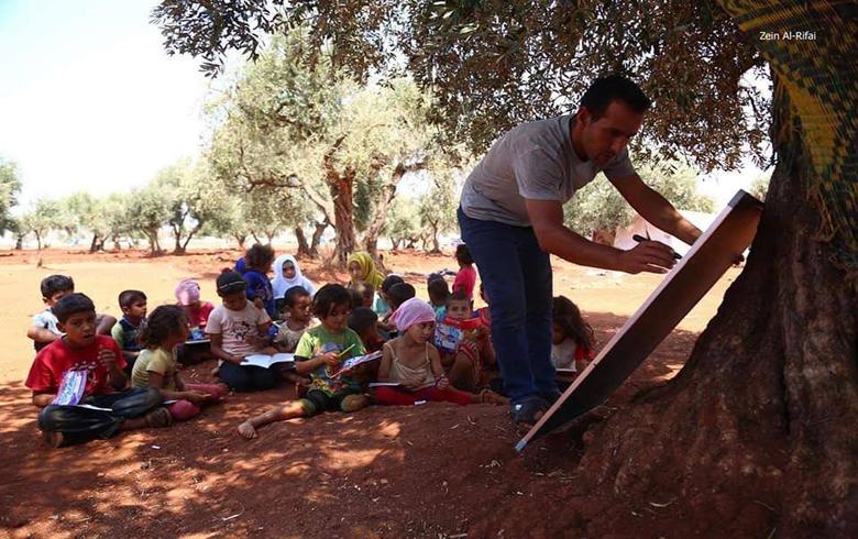 هكذا بدأ العام الدراسي الجديد في ريف ادلب