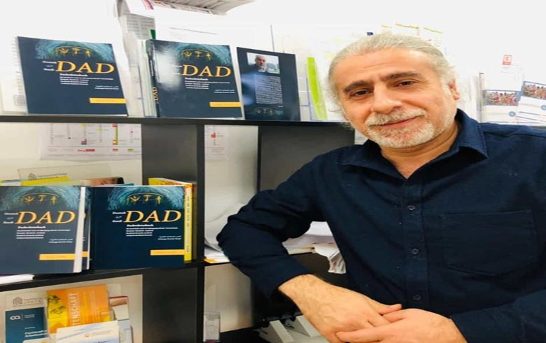 A Kurdish lawyer publishes a dictionary in three languages