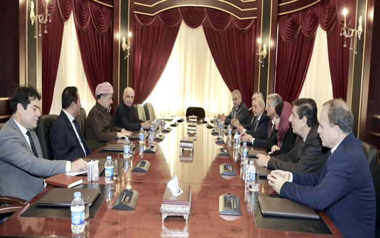 .الرئيس بارزاني يتباحث مع وفد رئاسة المجلس الوطني الوضع الكوردي في كوردستان سوريا