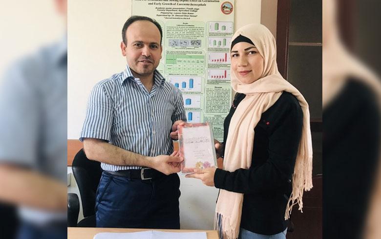 لاجئة تحصد المرتبة الأولى في كليةٍ بجامعة صلاح الدين
