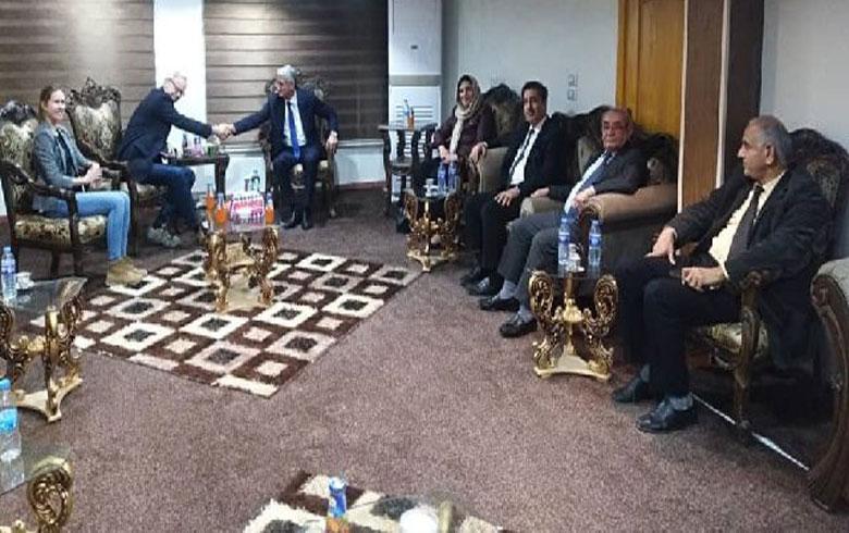 السفير الأمريكي يؤكد على ضرورة عودة نازحي عفرين وسري كانيه و كري سبي إلى ديارهم