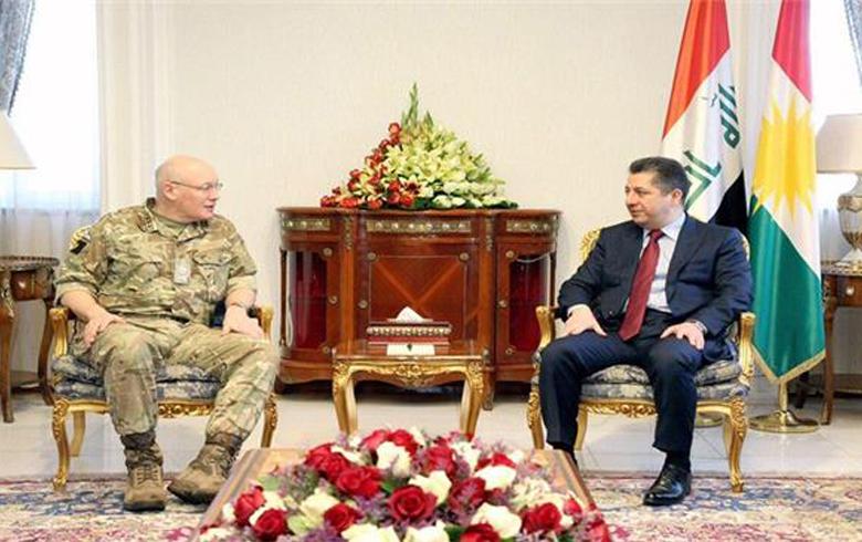 مسرور بارزاني يلتقي وفداَ عسكرياً بريطانياً رفيع المستوى