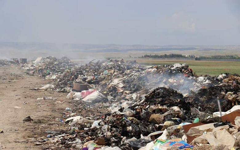 Garbage smell sweeps Qamishlo, and the PYD is not interested