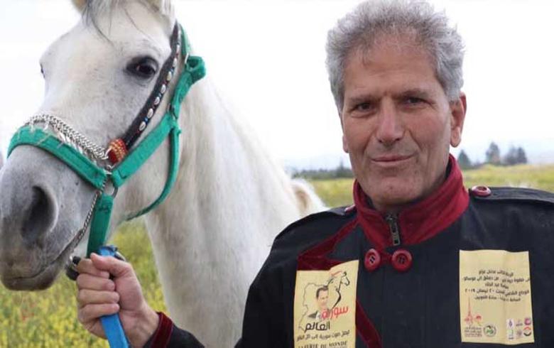 سافر من دمشق إلى موسكو ليهدي بوتين حصانا.. وعاد دون أن يستقبله أحد