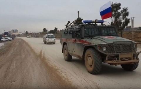 Turkey – Russia joint patrol tours villages in rural Kobani