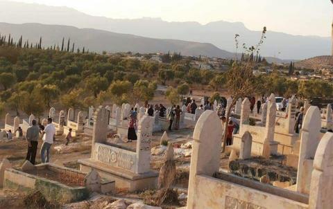 الفصائل المسلحة تعمل على تحويل مقبرة سنارة الأثرية إلى موقع عسكري