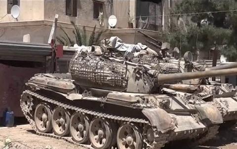 جيش نظام الأسد يسيطر على الحجر الأسود و مخيم اليرموك جنوبي دمشق