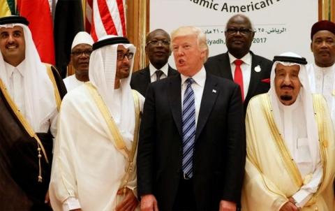 مجلة أمريكية: هكذا رفض ترامب مقترحا من ملك السعودية لغزو قطر