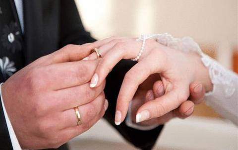 بنك عراقي يمنح سلفة ( 10 ) مليون دينار للراغبين في الزواج للمرة الثانية