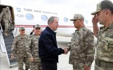 قادة عسكريون أتراك يزورون الحدود السورية