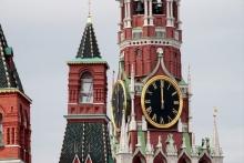 روسيا والسعودية تناقشان التعاون من أجل استقرار أسواق النفط