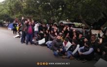عشرات العائلات السورية تغادر بلدة