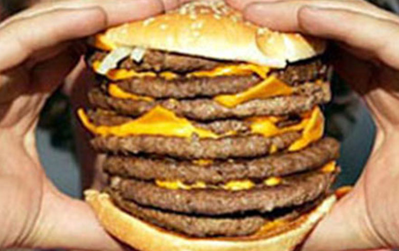 هل تعرف شخصًا يأكل ولا يسمن... العلماء يفسرون هذه الظاهرة